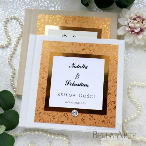 Księga Gości wpisów weselnych z delikatnymi kwiatkami