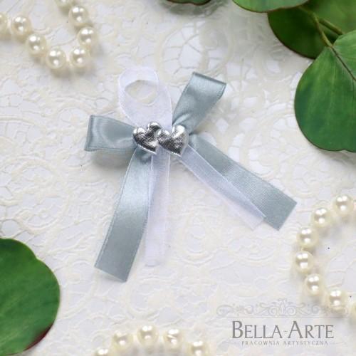 Kotyliony przypinki weselne dla gości serca srebrne